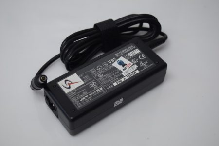 Adaptador Portatil Toshiba 15V 4A PA3282U-1ACA